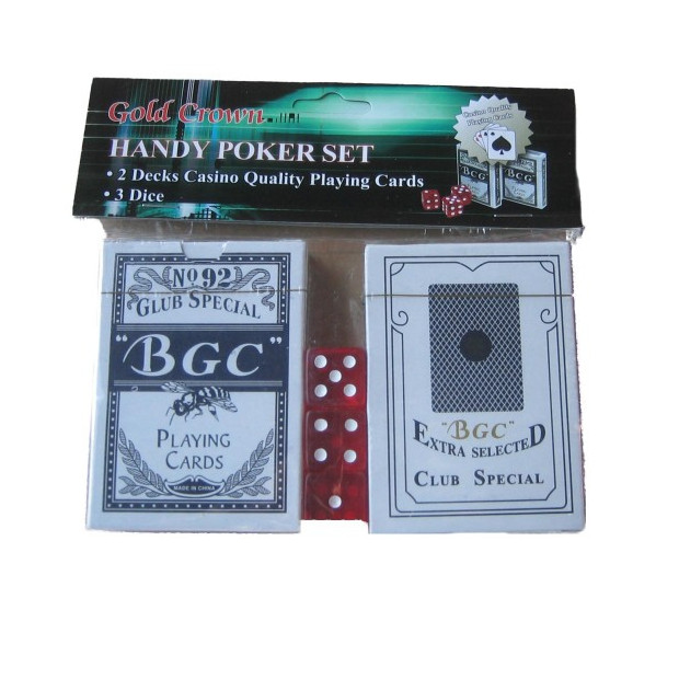 Sada pokerových kariet vrátane 3 kociek